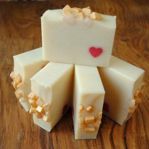 Mydło jedwabne ręcznie robione, rzemieślnicze kosmetyki