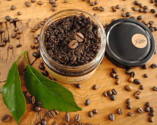 Peeling do ciała kawowy z kawą odmiany robusta i cukrem trzcinowym